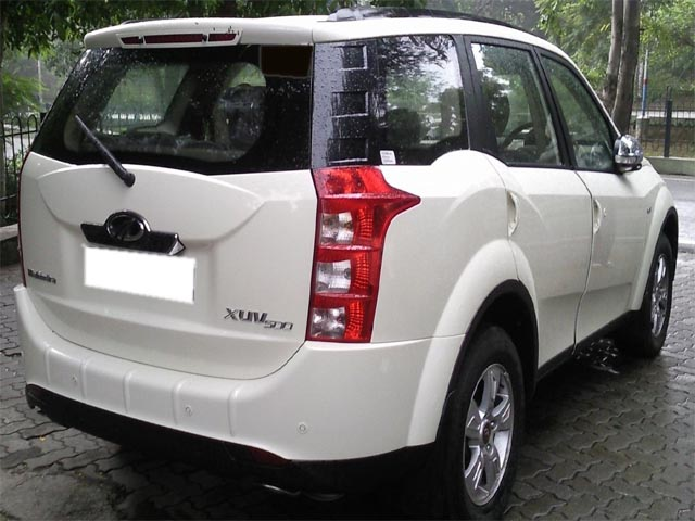 Used Mahindra xuv500 W8 Car in pune area