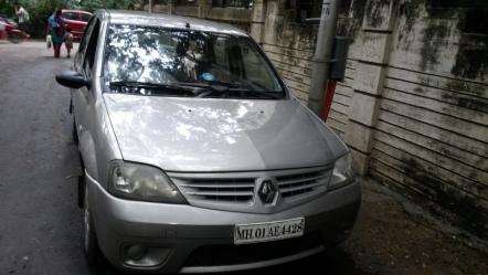 Second hand Mahindra logan car in Andheri East