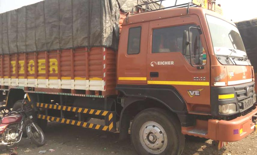 Used Eicher truck in brown color