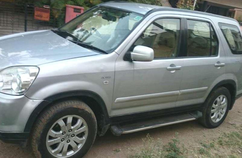CRV silver color car