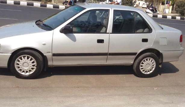 Cheap Price In Esteem Car At Anand Used Car In India
