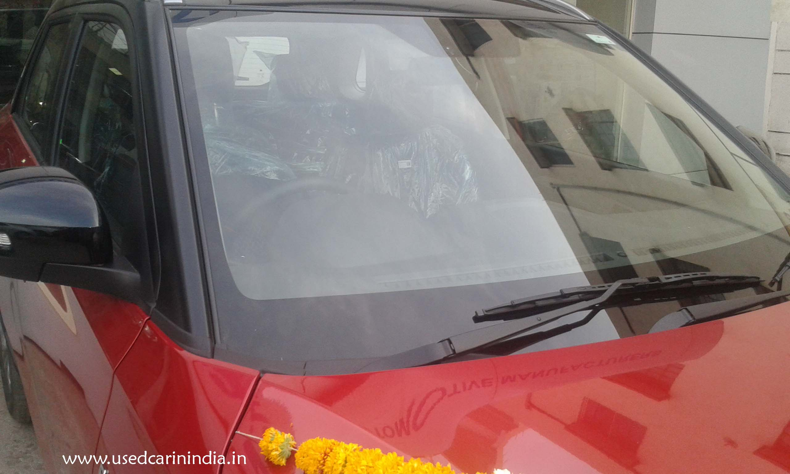 Maruti Vitara Red car_10