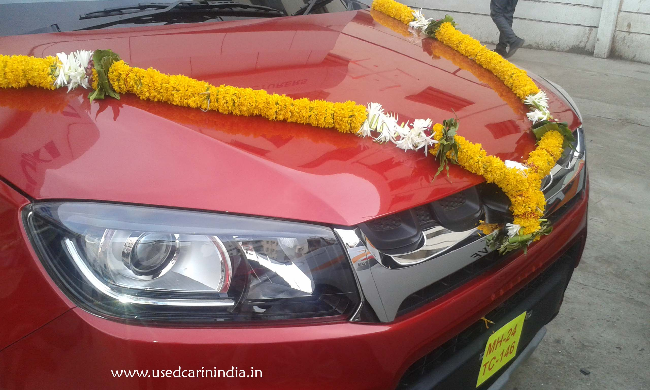 Maruti Vitara Red car_13