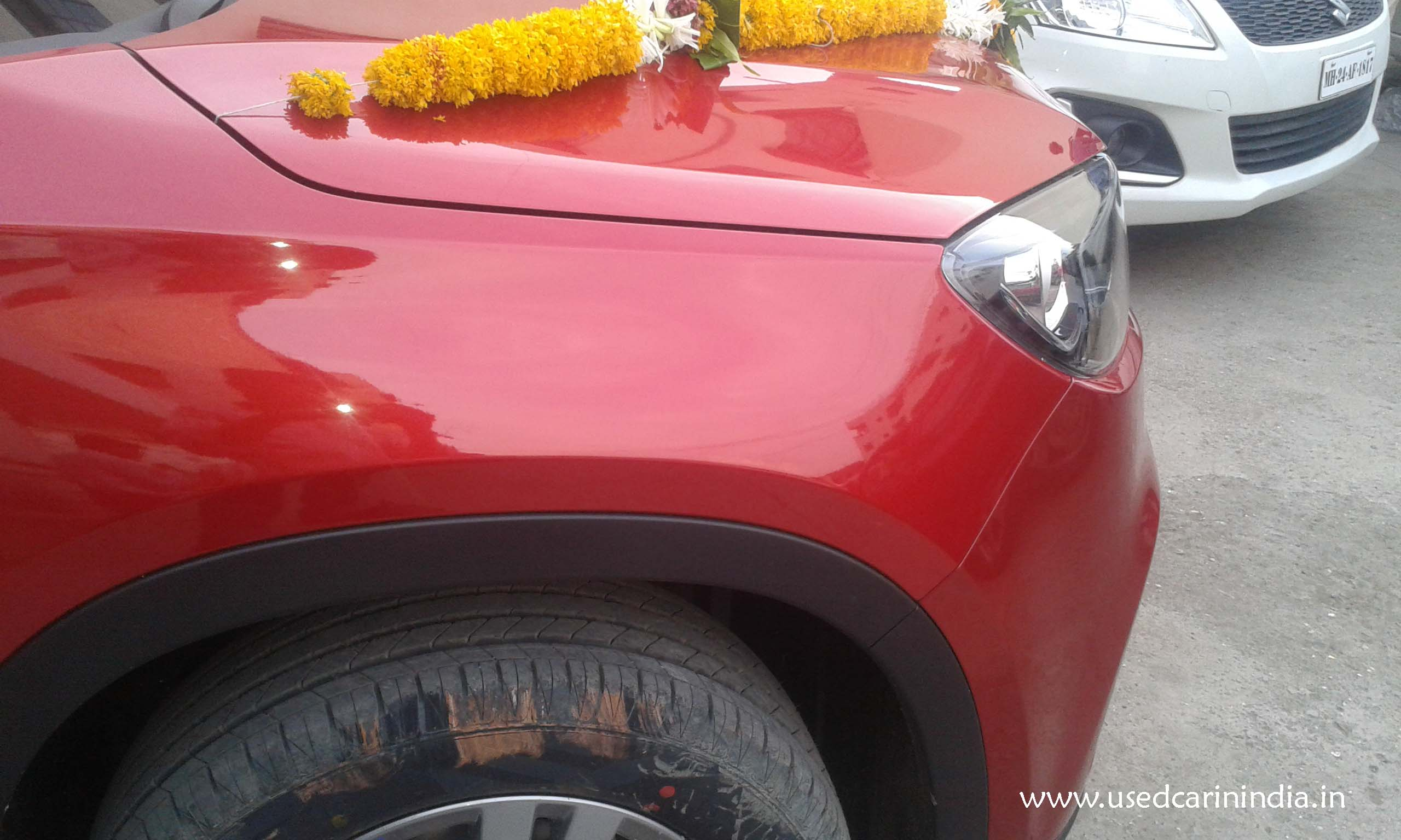 Maruti Vitara Red car_3