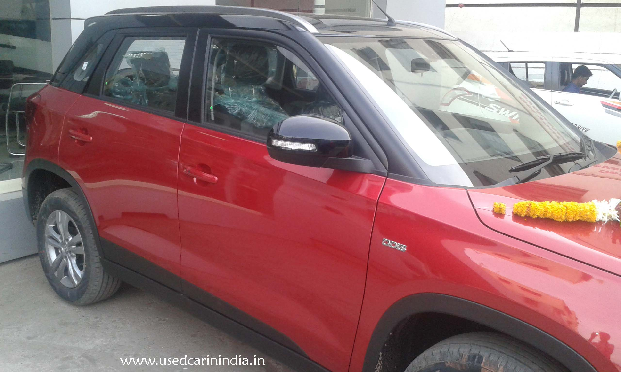 Maruti Vitara Red car_8
