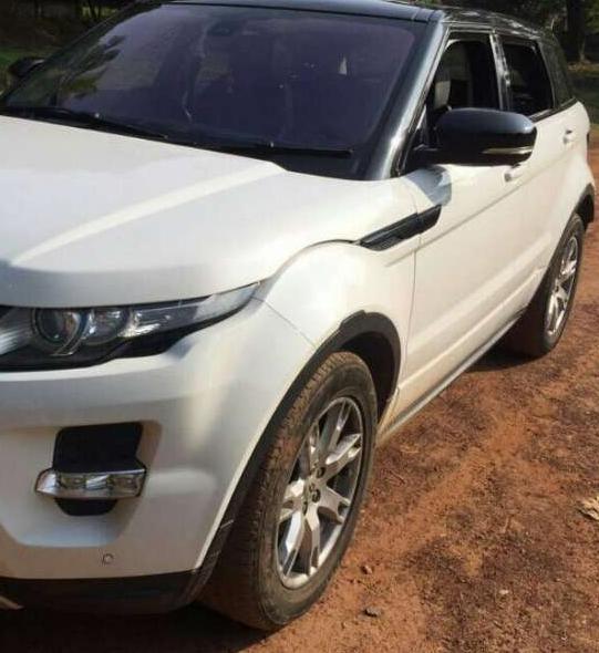 white-range-rover-evoque